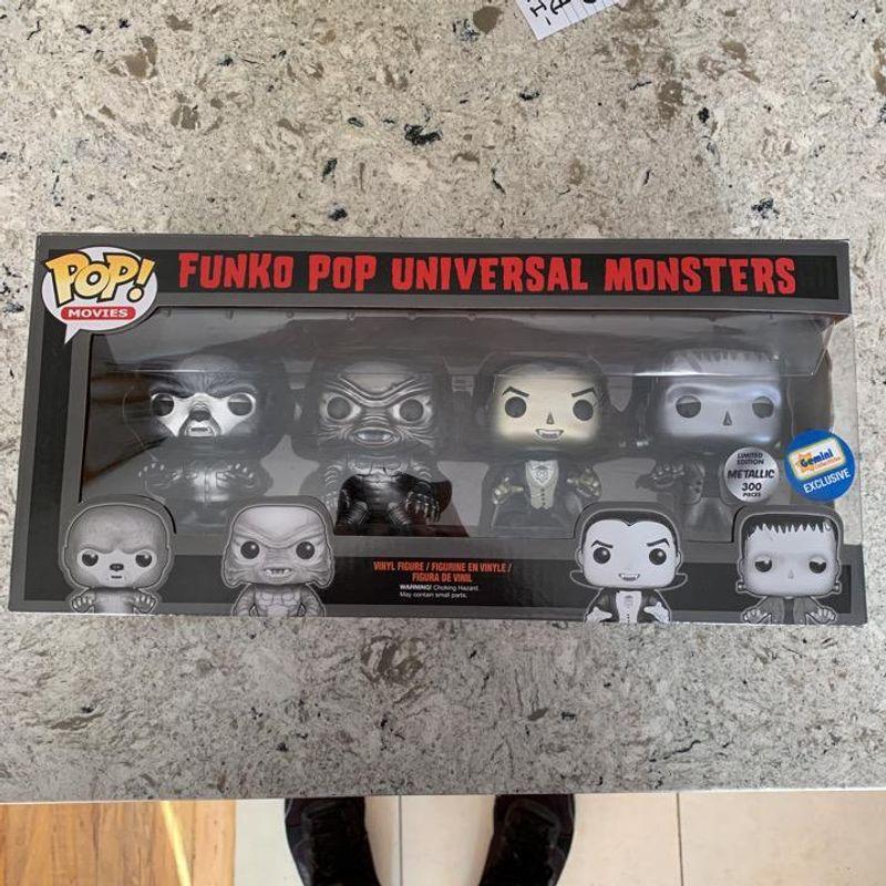 Universal Monsters (Black & White) (Metallic) (4-Pack)