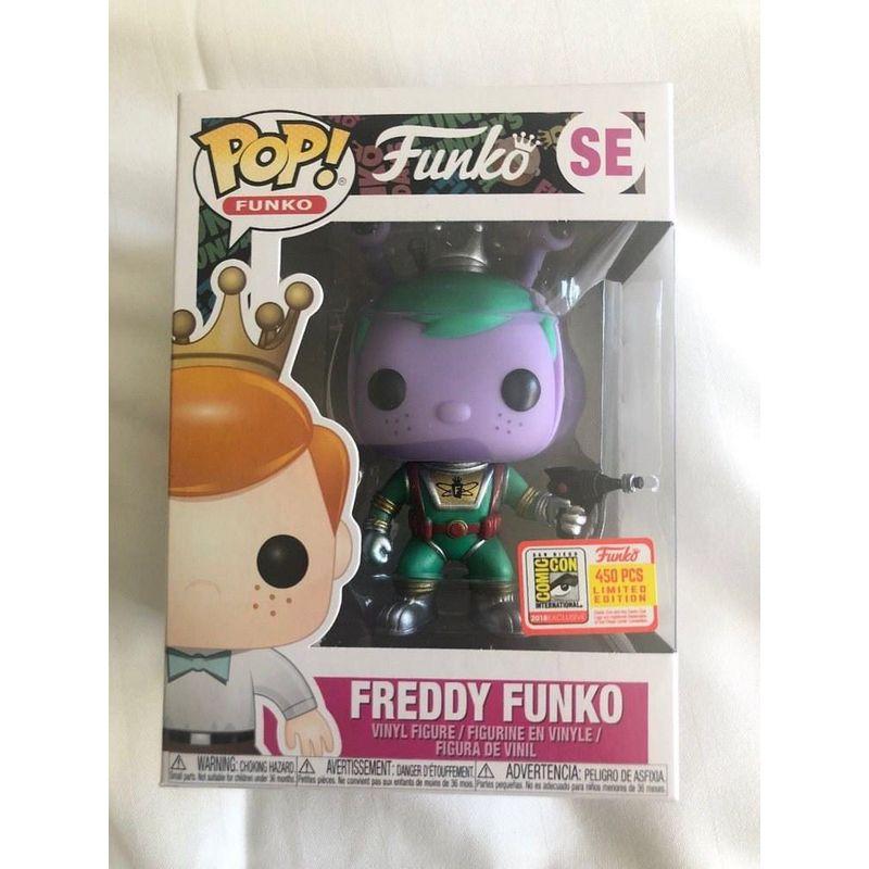 Freddy Funko (Alien) (w/ Ray Gun)