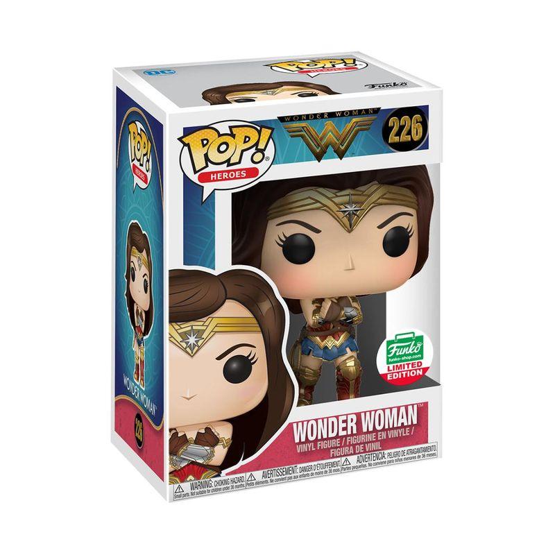 Wonder Woman (Gauntlets)